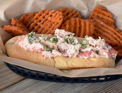 gallery-our-food-lobster-roll.jpg